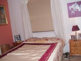 SHORT TERM LET - APRIL-END OF JUNE - 2 BEDROOMS INDIVIDUALLY OR WHOLE FLAT - GROUND + GARDEN