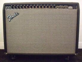 FENDER TWIN ULTRA STEREO CHORUS 130 WATT AMPLIFIER with FOOT SWITCH