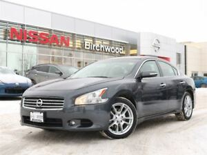 2010 Nissan Maxima 3.5 SV Leather, Back Up Camera + Much More!