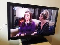 """Great 32"""" TOSHIBA LED TV full hd ready 1080p freeview inbuilt"""