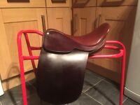 """English Leather 14"""" Pony Show Saddle Wide Fitting"""
