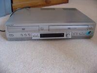 Sony SLV-D950G1 DVD Player/Video Cassette Recorder