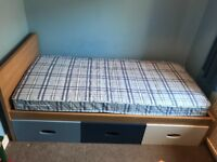 Single bed and drawers with mattress