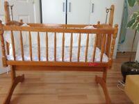 Baby rocking cradle