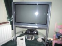 PANASONIC 36 FLAT SCREEN TV