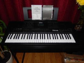 Yamaha PSR-E453 61 Key Keyboard with loads of effects