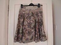Beautiful patterned skirt. Size 10.