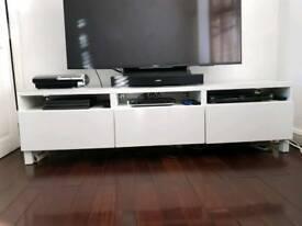 HIGH GLOSS WHITE MEDIA UNIT WITH GLASS ON TOP