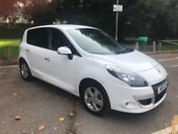 Renault Scenic 1.9dci Dynamique (Tom Tom 5 Door in White 2011 (diesel)