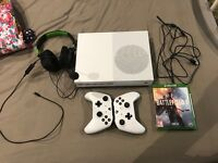 XB1 S 2 Controllers 2games Turtle beaches