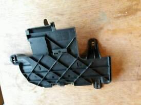 AUDI TT MK1 8N 98-06 battery cover/support & fuse panel holder