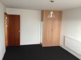 1 Bedroom Flat to rent newly refurbished large bedroom large livingroom fully fitted kitchen