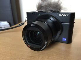 sony rx100 iv with extras as new