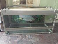 Reptile vivarium tank