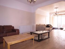 3 BEDROOM HOUSE PERFECT FOR SHARERS OR A FAMILY!!!