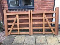 Iroko hardwood 5 bar wooden drive / entrance gates NEW unused