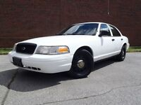2010 Ford Crown Victoria Police Pack 1 Gris Disponible