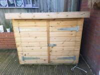 Quality storage shed / Dog kennel