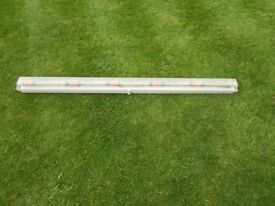 Fluorescent lamp, NEW. 5 foot British made, unopened with NEW Osram tube. £5