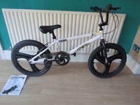 BMX Zinc Backbone 20 Inch BMX Bike White. BARGAIN £45 BRAND NEW