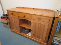 Pine sideboard with 3 drawers