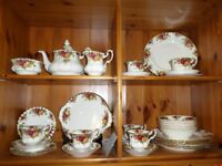 ROYAL ALBERT OLD COUNTRY ROSES DINNER & TEA SERVICE 6 place set