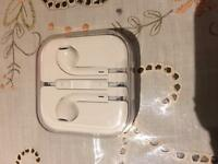 New genuine apple iPhone earphones