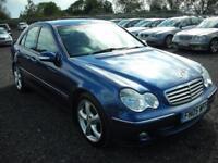 MERCEDES-BENZ C CLASS 2.1 C220 CDI ELEGANCE SE 4d AUTO 148 BHP (blue) 2005