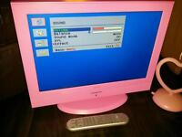 Pink 19 inch TV with pink heart digital aerial £30 ono
