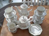 LOT OF ETERNAL BEAU CHINA INCLUDING TEAPOT & COFFEE POT + 6 CUPS & SAUCERS, 6 SIDE PLATES ETC
