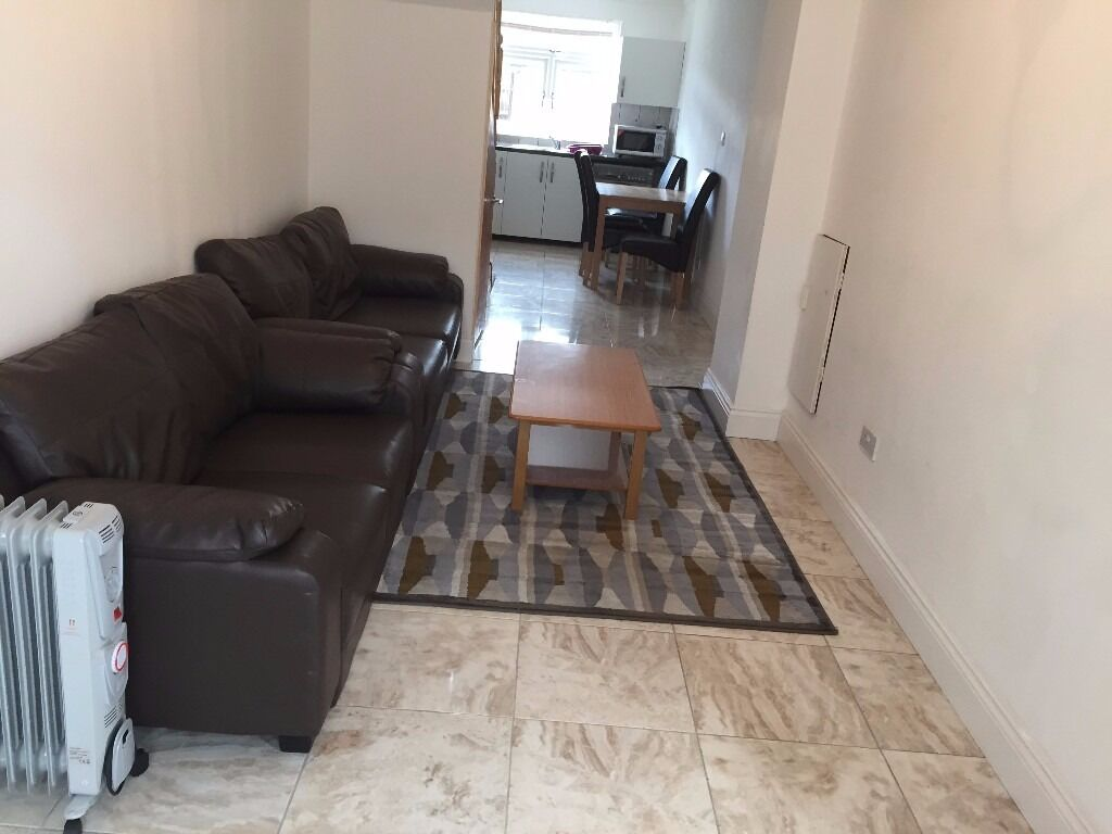 ONE BEDROOM FURNISHED FLAT AT PARRIVEL ONLY WORKING COUPLE OR SINGLE