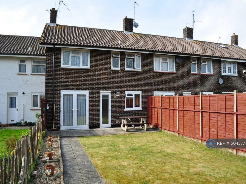 3 Bedroom House In Boswell Road Crawley Rh10 3 Bed