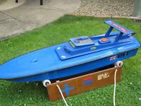 radio control ic powered model powerboat