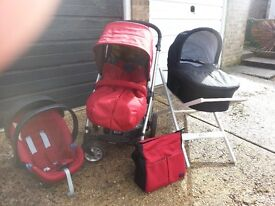 Mamas and Papas Pushchair System with Carrycot & Car Seat