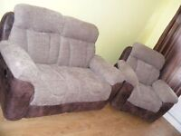 CAN DELIVER - 2-SEATER RECLINER SOFA + RECLINER CHAIR IN VERY GOOD CONDITION
