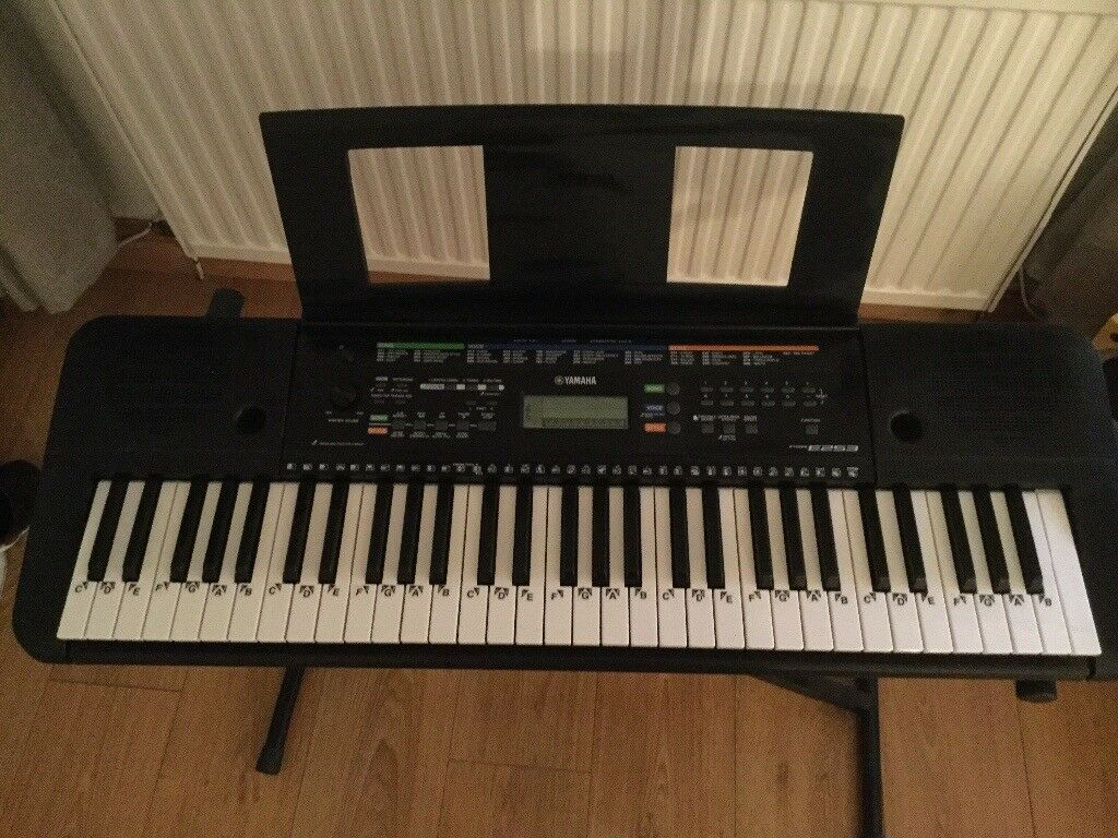 Yamaha Digital Keyboard PSR-E253