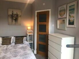 1 bedroom in Magdala Road, Gloucester, GL1 (#940470)