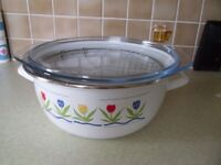 Deep Fat Fryer with Basket - Very Good Condition