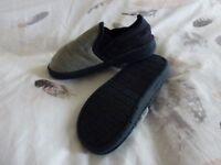 Brand new, Boys Slippers, Navy/Grey, Children's Size 12.