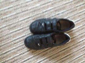 Black Nike trainers size 6