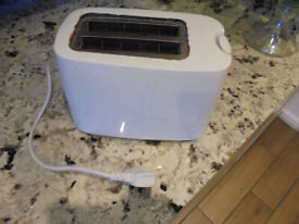Small * White * TOASTER * 2 Slices * Chiswick * Collection Only
