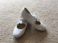 Children's white tap dance shoes size 11