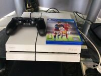 PlayStation 4 500gb with one game