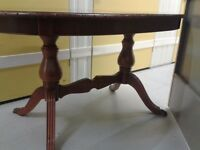 Regency dining table,mahogany,no marks & scratches,135-175cm,carved edge and leg