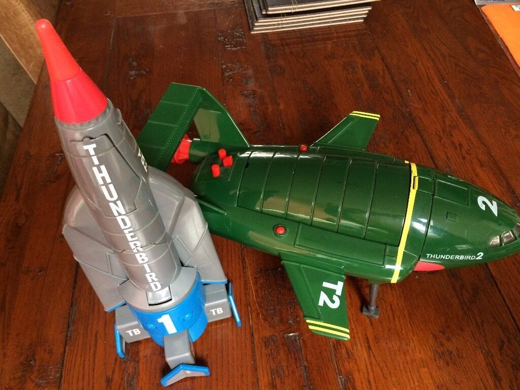 Thunderbird 1 and 2 and Figures