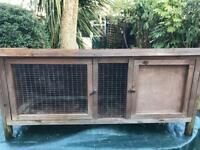 Outdoor pet hutch