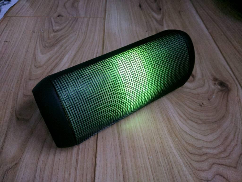 T900 portable speaker