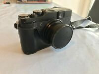 Fujifilm X10 camera - for parts, with accessories