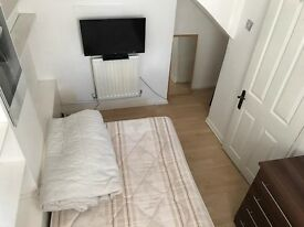 ***GOOD SIZE SINGLE ROOM AVAILABLE NOW***£120 pw (bills inc)