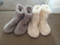 Womens slippers size 5-6
